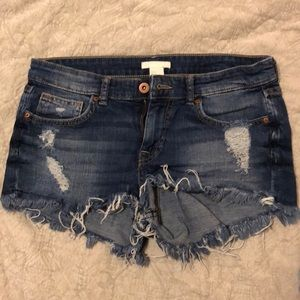 H&M denim cutoff jean shorts size 4 stretch